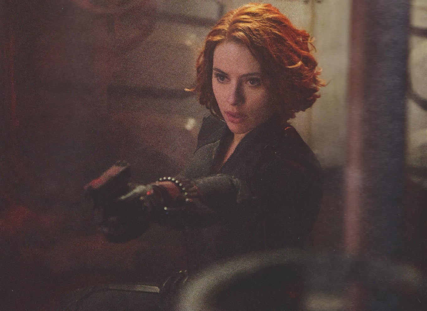 ageofultron empire inside black widow with gun