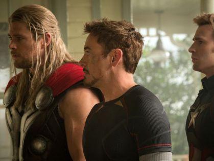 Thor, Stark e Rogers.