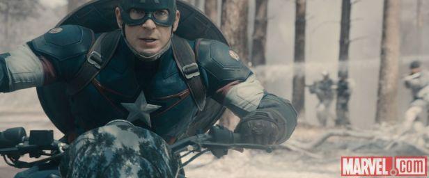 Capitão América é o líder nato no filme.