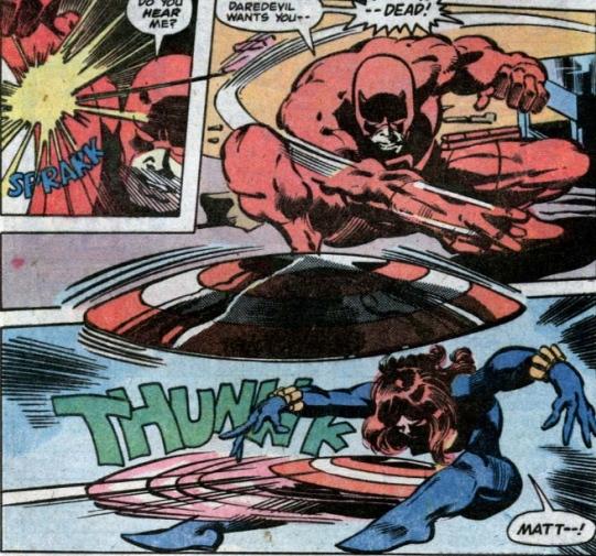 Demolidor e Viúva Negra versus o Capitão América na arte de Gene Colan.