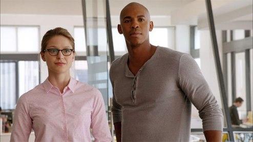 Kara Danvers e James Olsen.