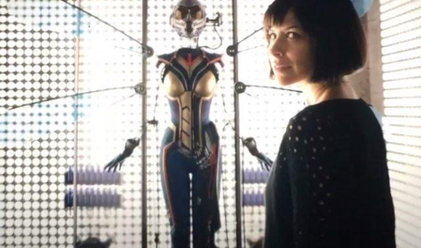 ant-man hope van dyne and the wasp suit