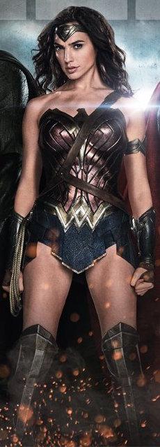 Mulher-Maravilha na capa da revista Total Film sobre A Origem da Justiça.