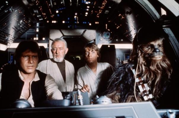 Han Solo, Obi-Wan, Luke e Chewbacca à bordo da Millenium Falcon.
