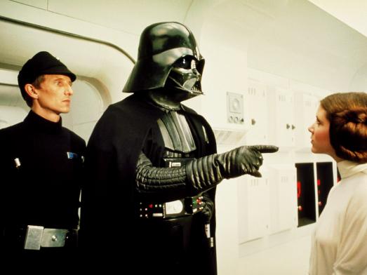 Vader aprisiona Leia.