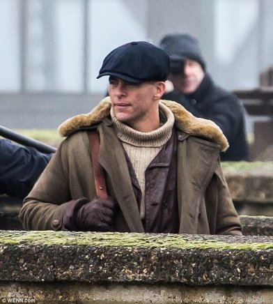 Chris Pine no set da I Guerra.