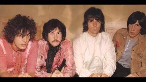O Pink Floyd na época de seu estouro, em 1967: Barrett, Mason, Wright e Waters.