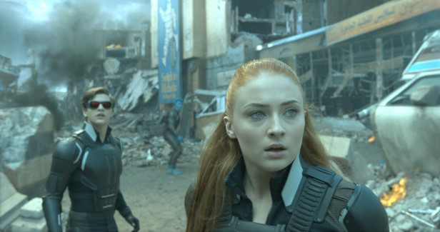 Ciclope e Jean Grey em suas novas versões adolescentes em Apocalipse.