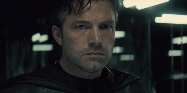 Ben Affleck como Bruce Wayne. Não irá mais dirigir.