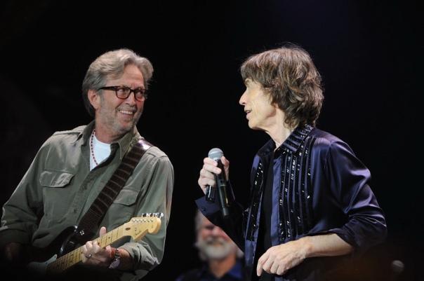 Eric Clapton e Mick Jagger no O2, em 2012: agora juntos em disco.