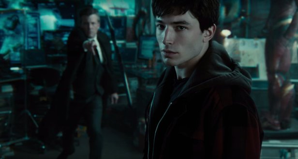justice-league-movie bruce wayne attack barry allen