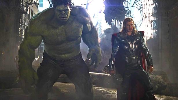 Hulk e Thor estão juntos em Ragnarok.