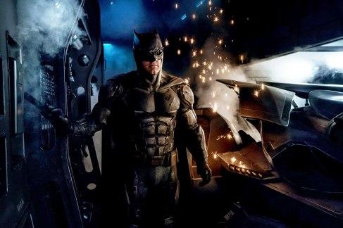 Batman e seu novo uniforme tático nas filmagens de Liga da Justiça.