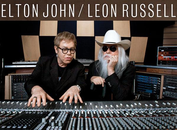 Elton John e Leon Russell em 2010.