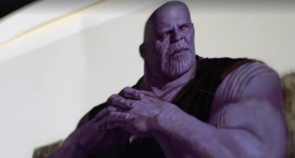 Thanos em roupas civis!
