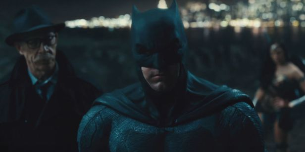justice-league-trailer batman and gordon