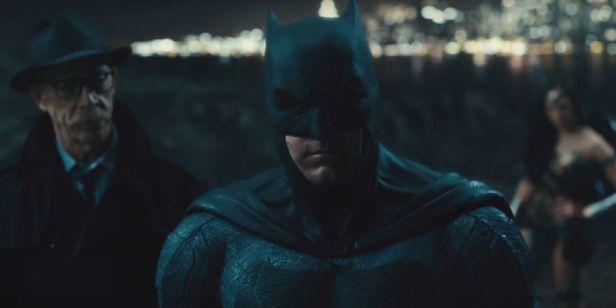 justice-league-trailer batman and gordon