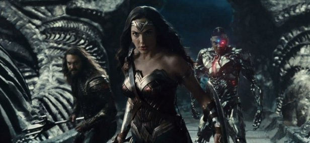 justiceleague trailer wonderwoman-aquaman-cyborg in the alien ship