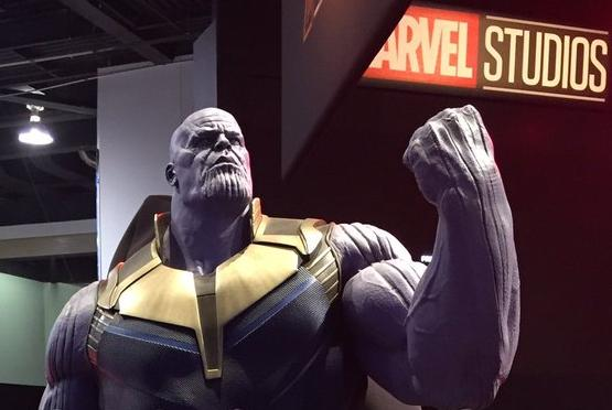 thanos statue disneyXD 2017 (edit)
