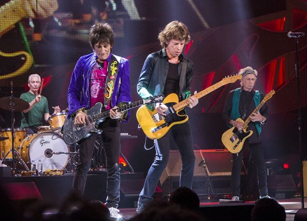the rolling stones alive tree guitars