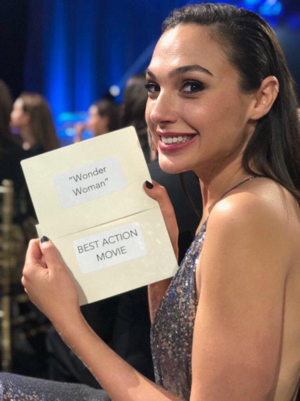 wonder woman critics choice award winner