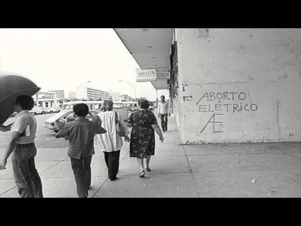aborto eletrico pixação