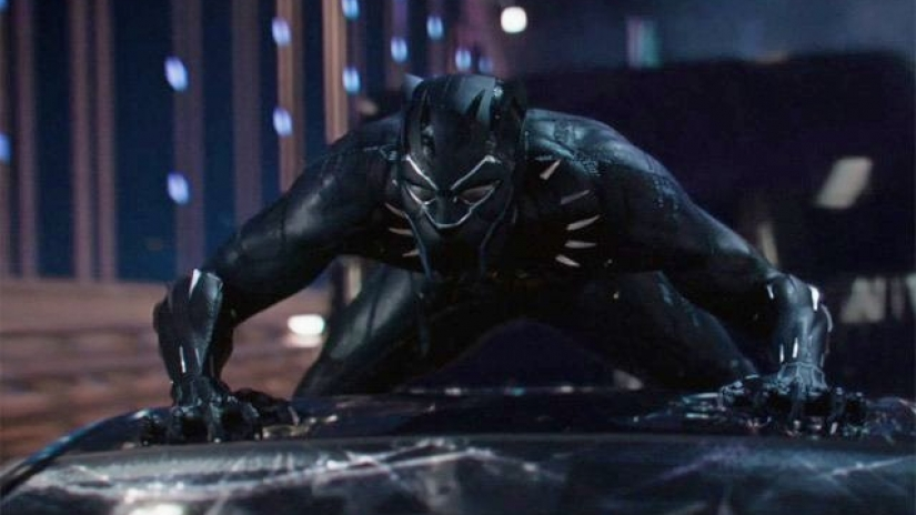 black-panther-trailer screenshot top of the car