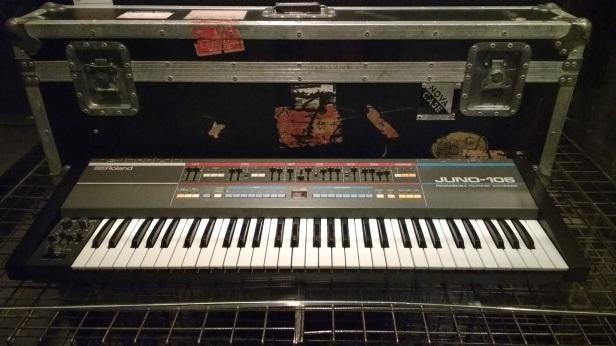 renato russo exposição teclado cassio juno 106