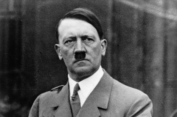 Adolf-Hitler-whrend-einer-Rede
