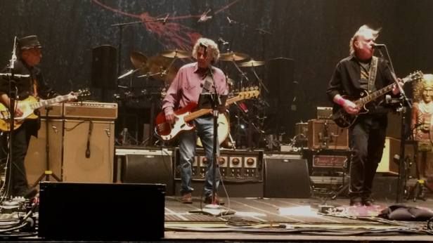 neil young and crazy horse 2018-05-01-nych-fresno
