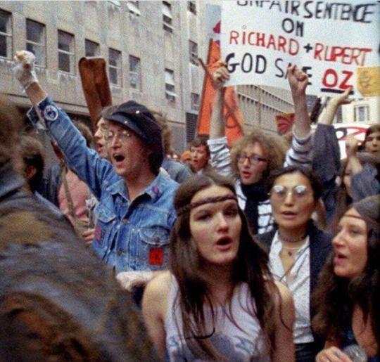 john lennon protesting 1971